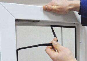 Зняття гумового ущільнювача на вікнах