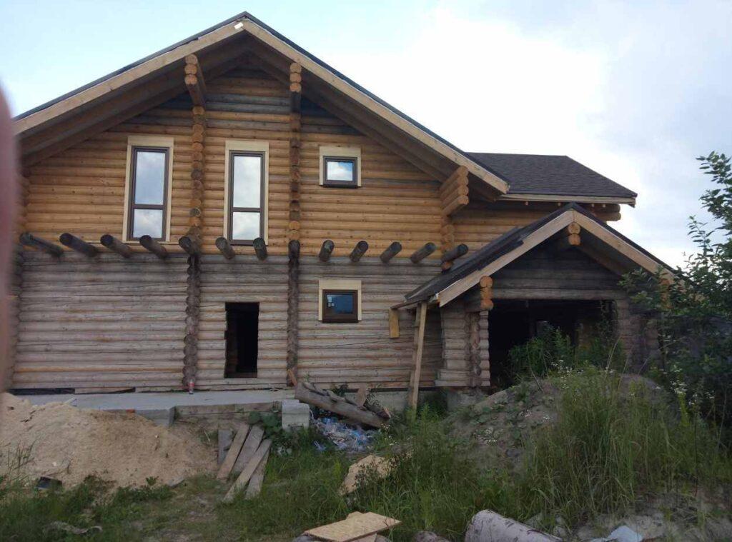 Фасад будинку після монтажу віконних конструкцій
